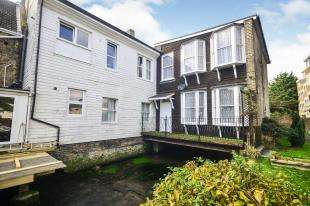 2 Bedrooms End Of Terrace House for sale in Goodfellow Way, Dover, Kent
