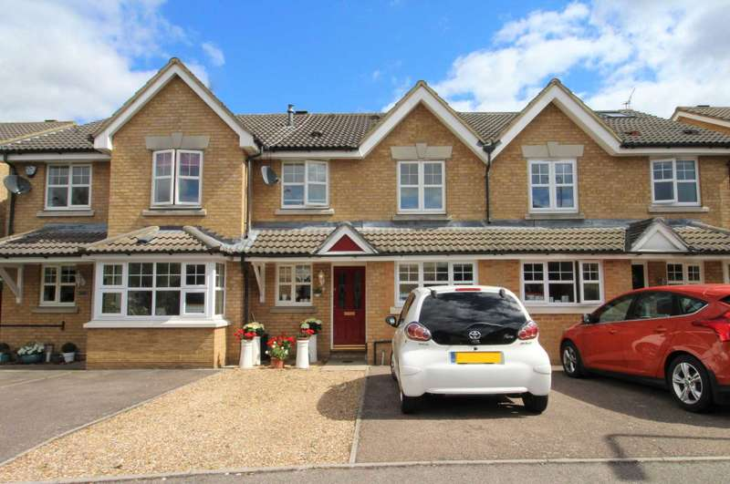 3 Bedrooms Terraced House for sale in Kershaw Close, Hornchurch