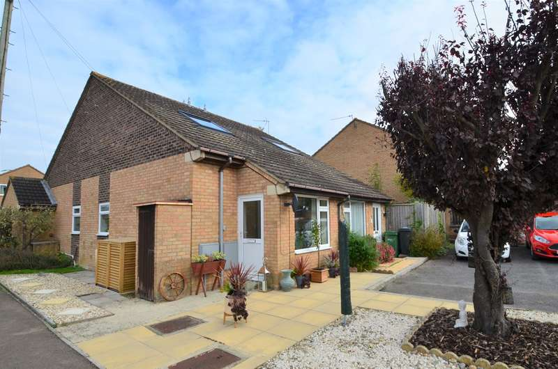 1 Bedroom Terraced House for sale in Adelaide Gardens, Stonehouse, GL10