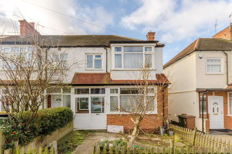 3 Bedrooms Semi Detached House for rent in Leafield Road, Sutton Common, SM1
