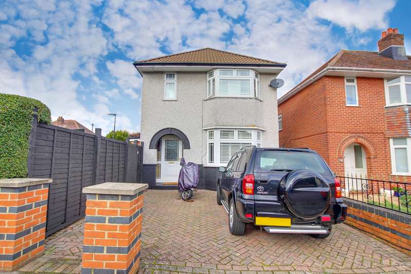 3 Bedrooms Detached House for sale in NO FORWARD CHAIN! WRAP AROUND GARDEN! LUXURIOUS KITCHEN DINER!