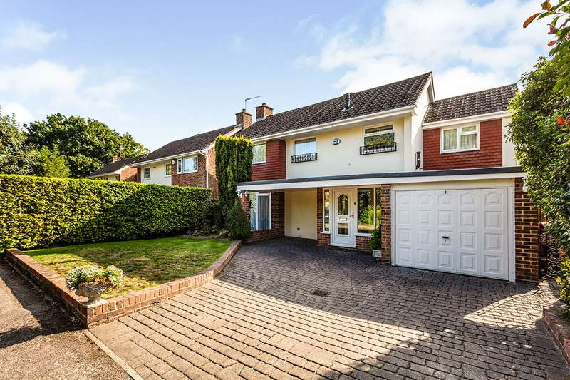 3 Bedrooms Detached House for sale in Firecrest Close, New Barn, Kent, DA3