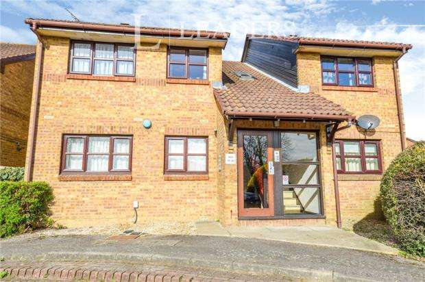2 Bedrooms Apartment Flat for sale in Milford Close, Jersey Farm, St Albans