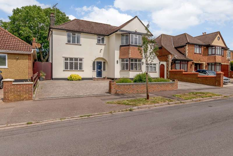 4 Bedrooms House for sale in Beacon Way, Rickmansworth, Hertfordshire, WD3