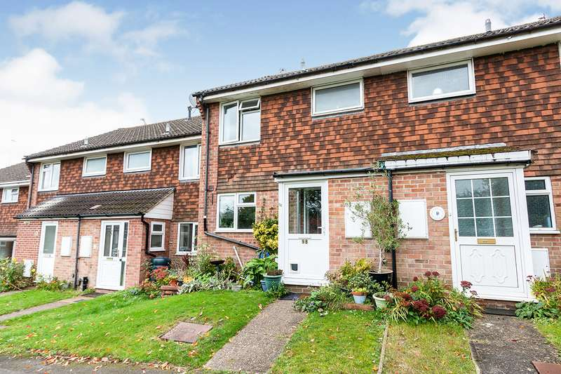 3 Bedrooms House for sale in Padwick Close, Basingstoke, Hampshire, RG21