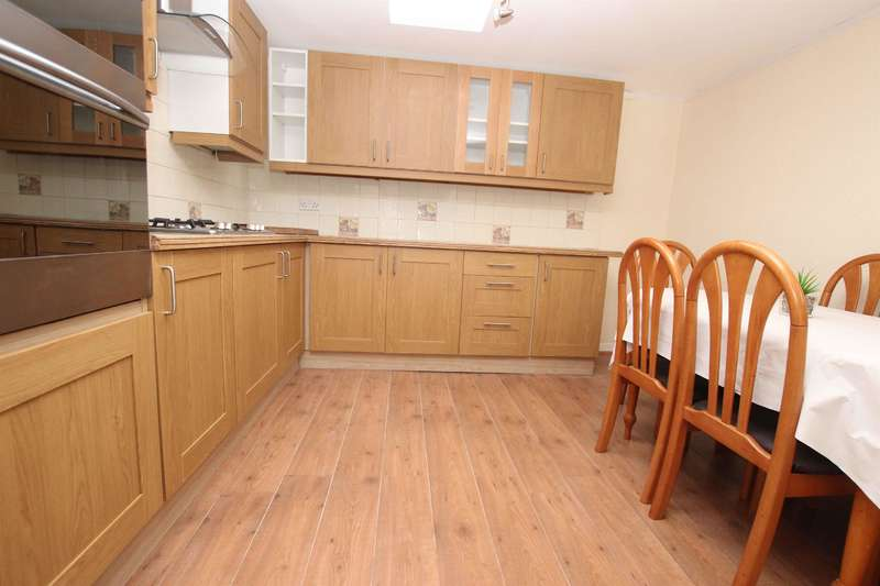 3 Bedrooms Terraced House for sale in Greenway Street, Darwen, BB3 1ER