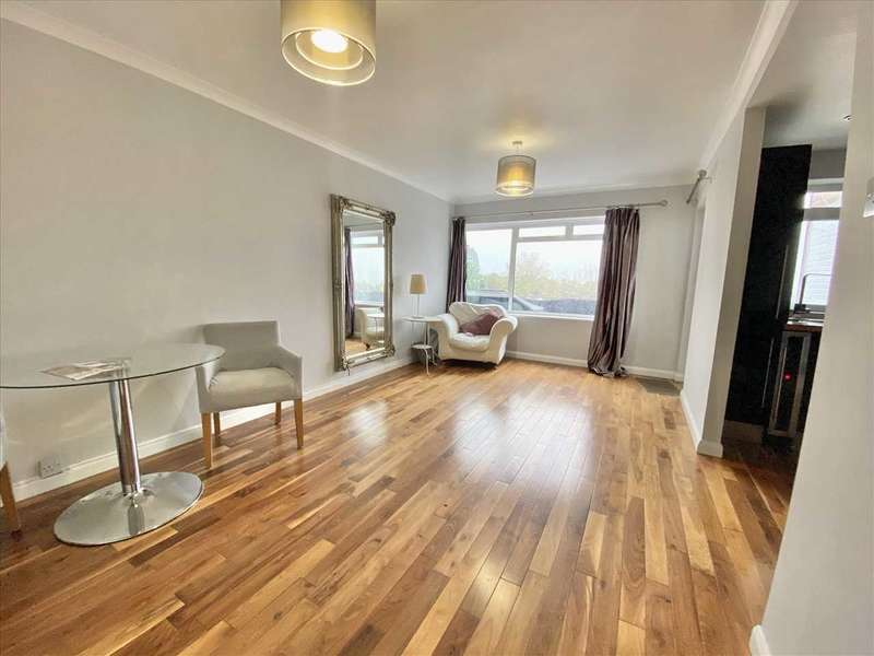 1 Bedroom Apartment Flat for sale in Claire Court, High Road, BUSHEY