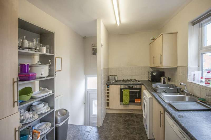 4 Bedrooms Apartment Flat for rent in Fairfield Road, Newcastle Upon Tyne