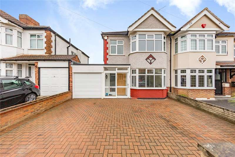 3 Bedrooms Semi Detached House for sale in Goodwood Avenue, Hornchurch, RM12