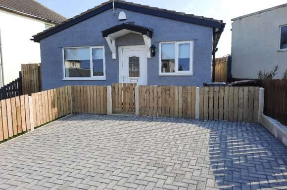 2 Bedrooms Bungalow for rent in Woodhouse Road, Whitehaven, CA28