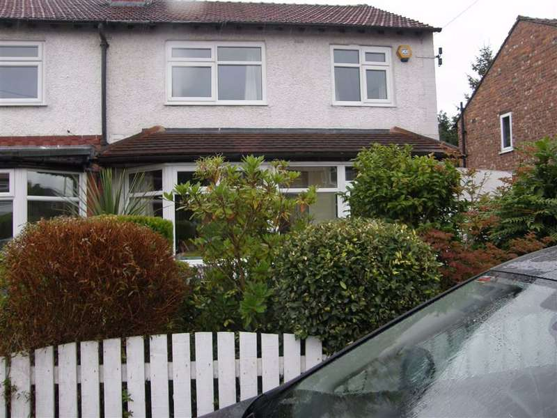 3 Bedrooms Semi Detached House for rent in Dalmorton Road, Chorlton, Chorlton
