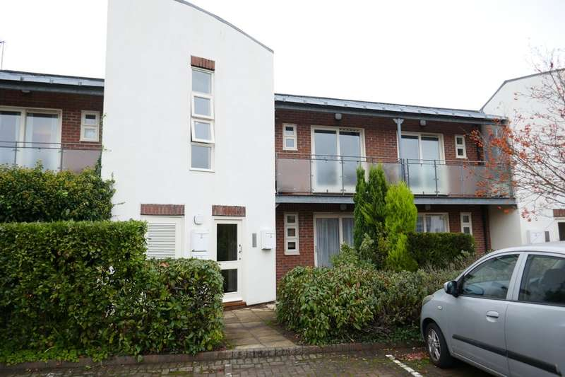 2 Bedrooms Flat for rent in Lowther Court, Lowther Street
