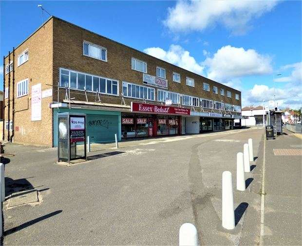 2 Bedrooms Apartment Flat for rent in London Road, Hadleigh, Hadleigh, SS7 2DE