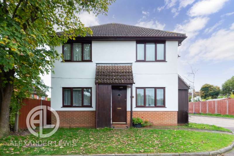 2 Bedrooms Maisonette Flat for sale in Hampden Close, Letchworth Garden City, SG6 1DN
