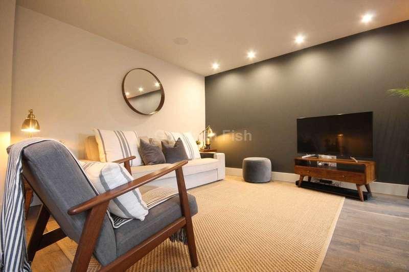 3 Bedrooms Town House for sale in Roof Gardens, Arundel Street, Castlefield