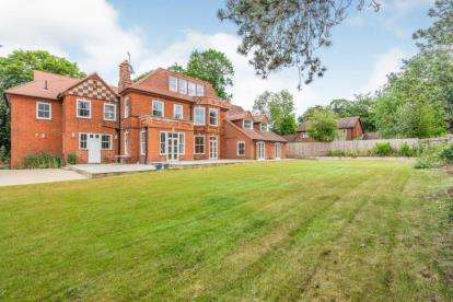 2 Bedrooms Flat for sale in Yarmouth Road, North Walsham, Norfolk