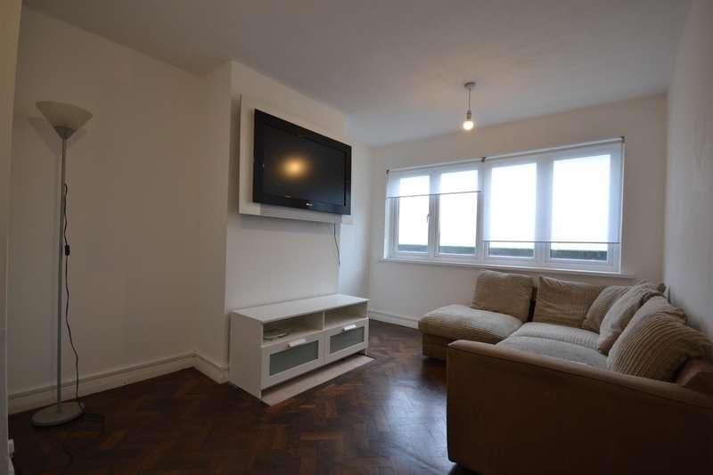 3 Bedrooms Flat for rent in Guinea Street, Exeter. EX1 1BS