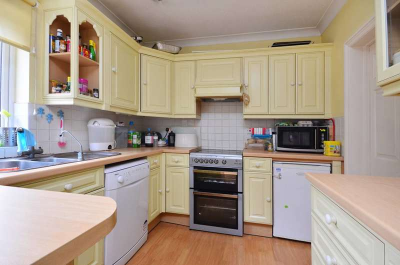 3 Bedrooms House for rent in Clarendon Road, Colliers Wood, SW19