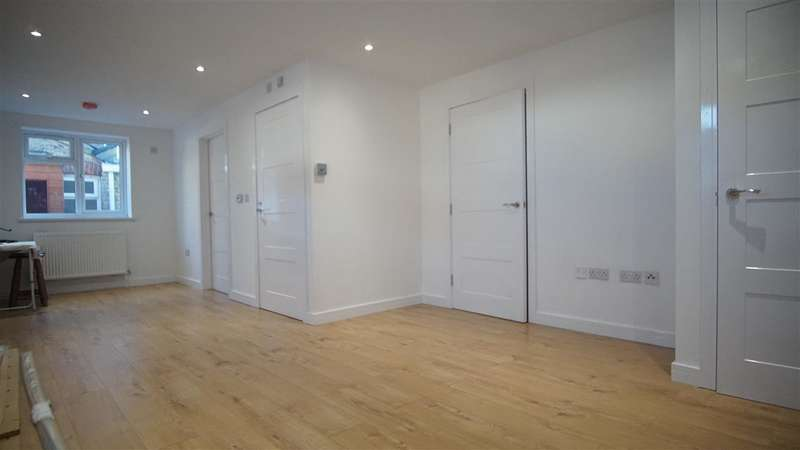 Commercial Property for rent in Perry Street, Gravesend