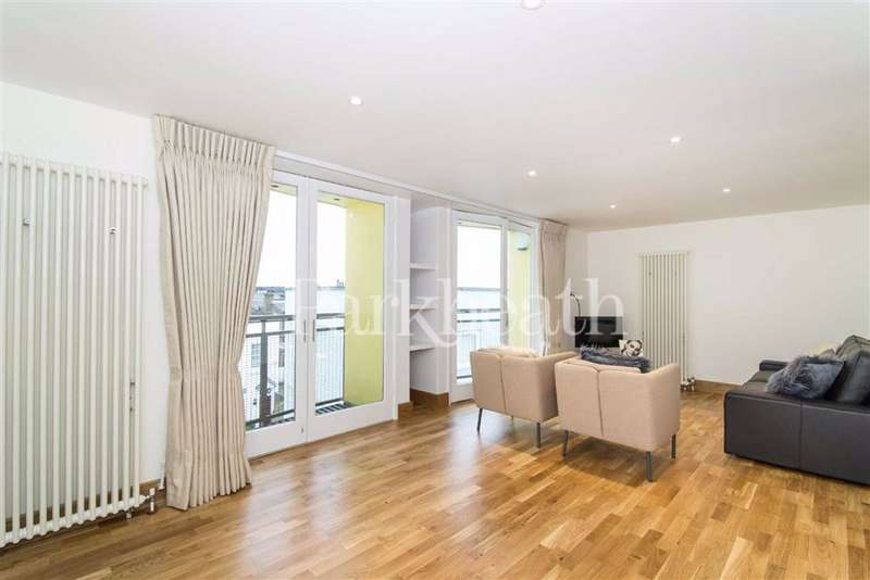 3 Bedrooms Flat for rent in Ginsberg Yard, Hampstead, London