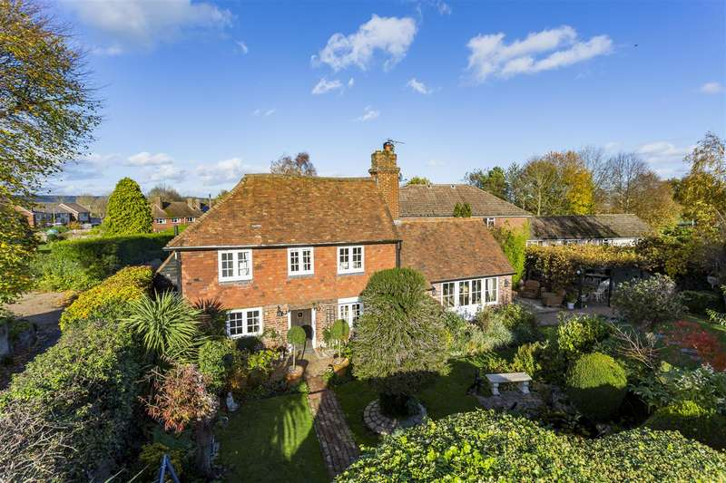 3 Bedrooms Detached House for sale in North Meadow, Offham, West Malling