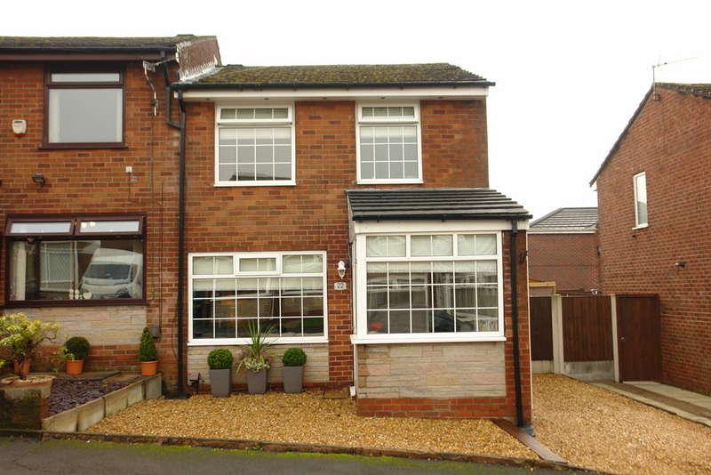 3 Bedrooms Semi Detached House for sale in Sunfield Avenue, Moorside