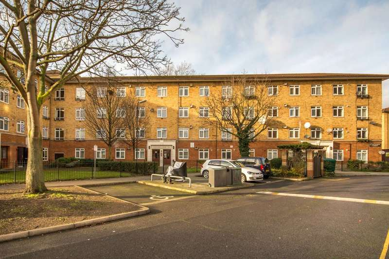3 Bedrooms Flat for sale in Lansdowne Green, SW8, Stockwell, SW8