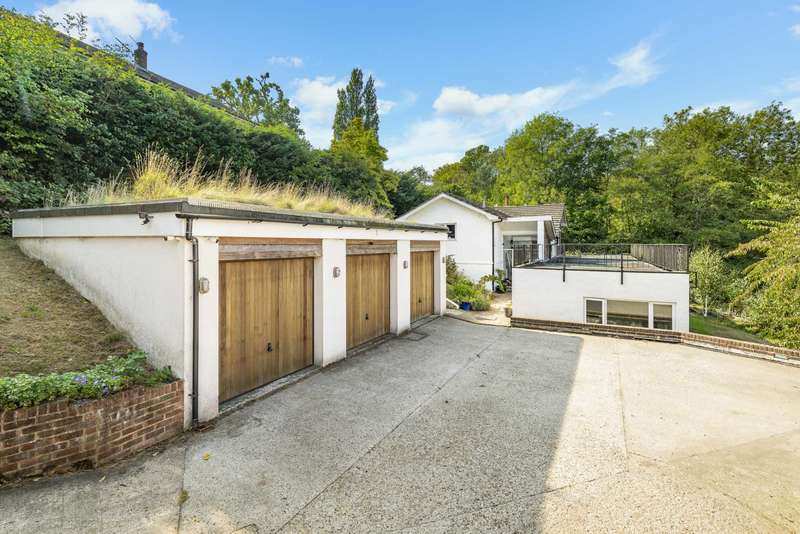 5 Bedrooms Detached House for sale in Argyle Road, Southborough
