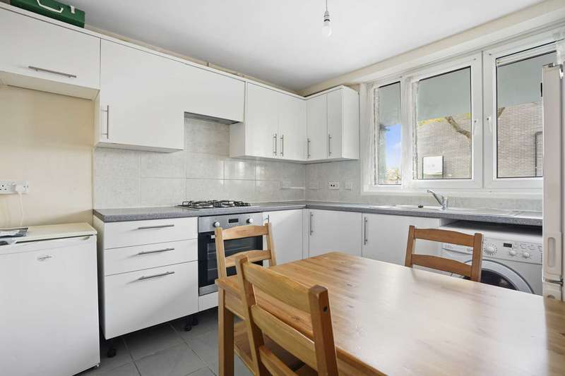 3 Bedrooms Flat for rent in Fallowfield, Finsbury Park, London, N4 3PA