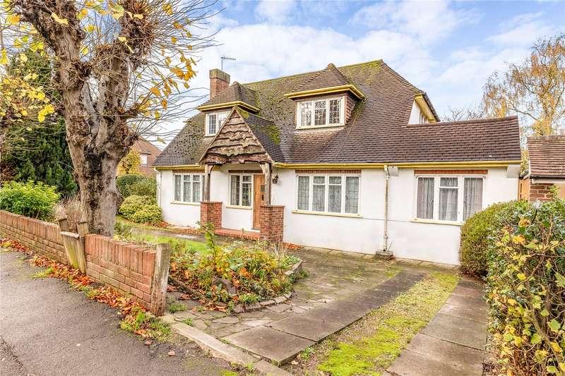 4 Bedrooms Detached House for sale in Grange Road, Bushey, Hertfordshire, WD23