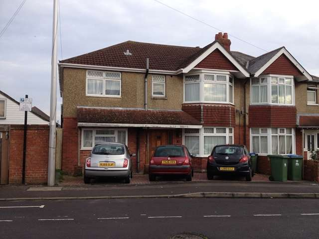 8 Bedrooms Detached House for rent in Kitchener Road - Highfield - Southampton