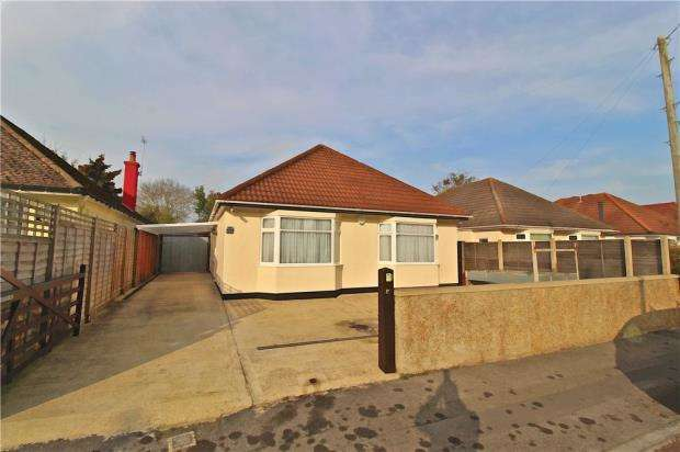 3 Bedrooms Detached Bungalow for sale in Bournemouth, Dorset, BH11
