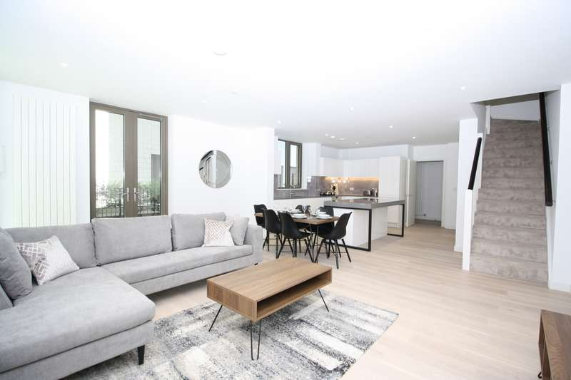 3 Bedrooms Apartment Flat for rent in Royal Wharf, Royal Docks, London E16