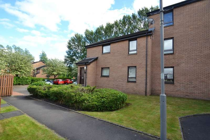 2 Bedrooms Flat for rent in Nutberry Court, Crosshill, G42