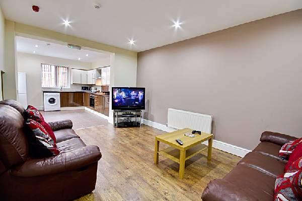 6 Bedrooms Terraced House for rent in Jemmett Street, Preston, PR1