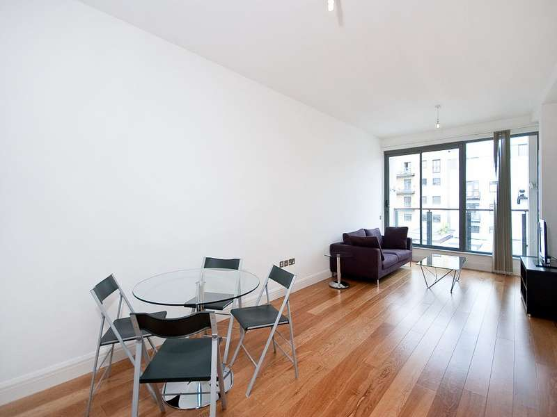 2 Bedrooms Apartment Flat for rent in Turnmill Street, Clerkenwell, London, EC1M