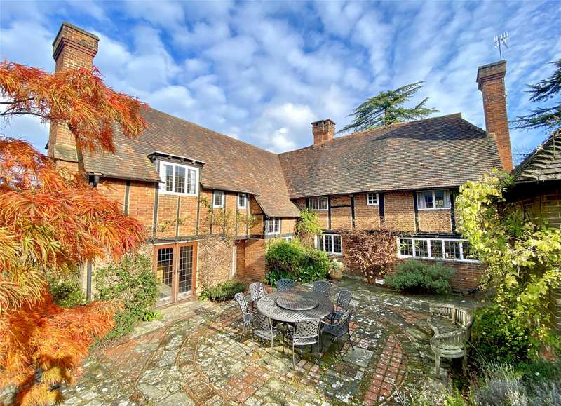 5 Bedrooms Detached House for sale in Red Lane, Oxted, Surrey, RH8