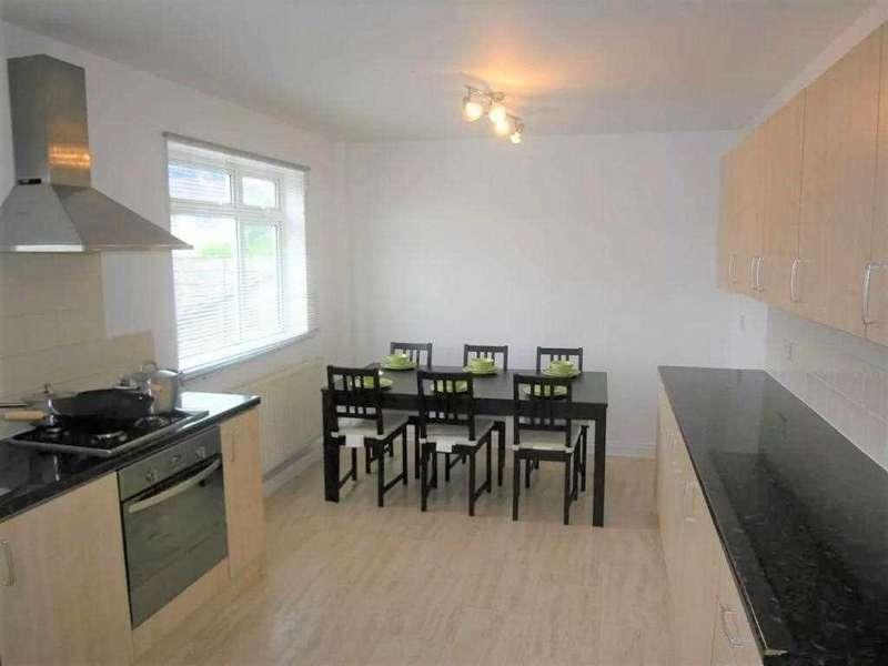 5 Bedrooms Semi Detached House for rent in Hawkins Road, Wallisdown, Bournemouth