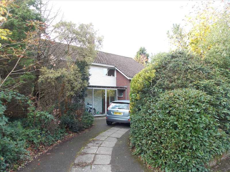 7 Bedrooms Detached House for rent in Cavendish Road, Dean Park, Bournemouth