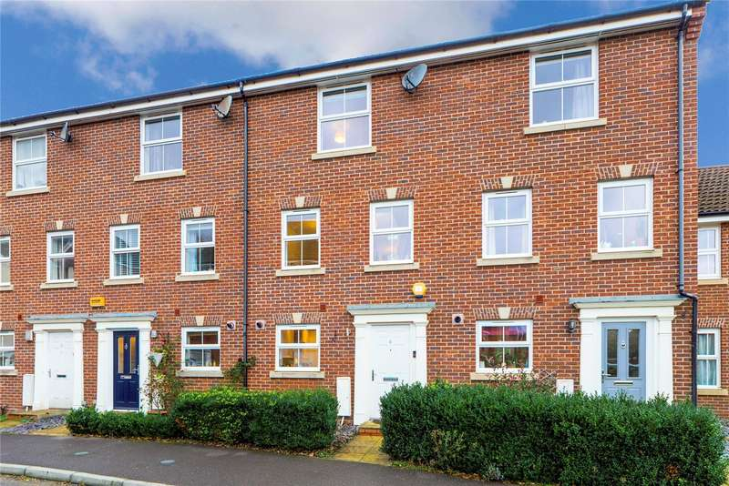 4 Bedrooms Terraced House for sale in Walsh Road, Bramley, Tadley, RG26