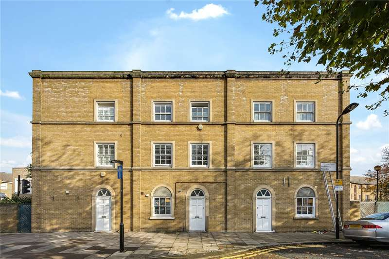 4 Bedrooms House for rent in Holcroft Road, London, E9
