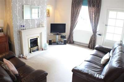 2 Bedrooms House for rent in Beech Street, Manchester