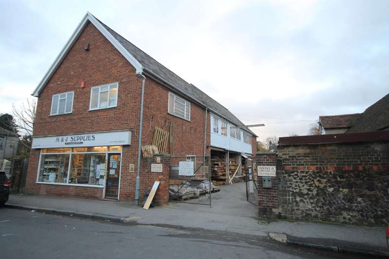 Commercial Property for rent in M & J Supplies, St. Johns Road, Faversham