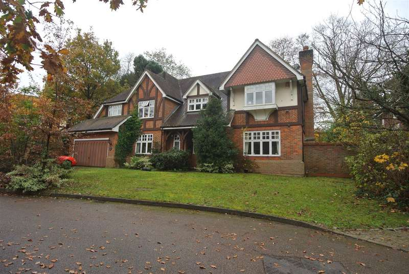 5 Bedrooms House for rent in Courtney Place, Cobham, Surrey