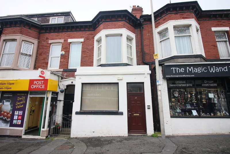 3 Bedrooms Maisonette Flat for sale in Dickson Road, Blackpool