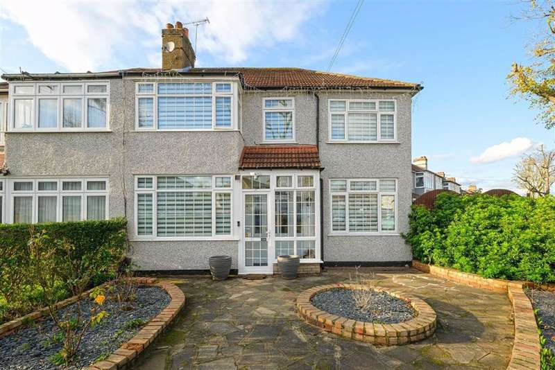 4 Bedrooms Semi Detached House for sale in Tennyson Way, Hornchurch, Essex