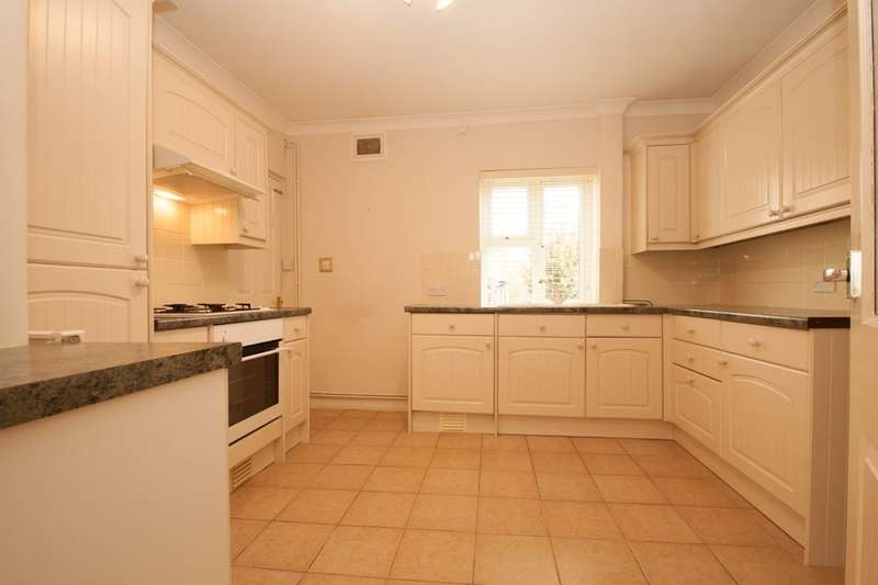2 Bedrooms Semi Detached House for rent in Updale Cls, Potters Bar (pet friendly)
