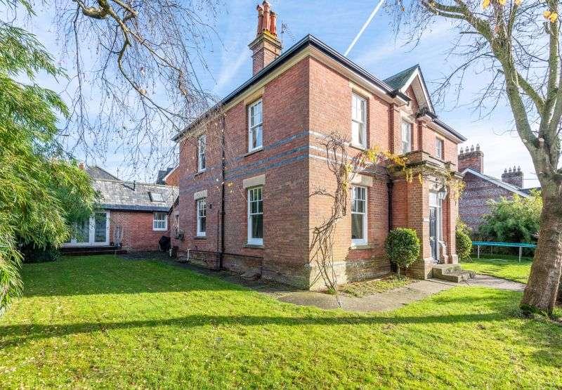 5 Bedrooms Property for sale in Anvil Road, Pimperne, Blandford Forum, DT11