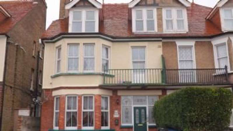 2 Bedrooms Flat for rent in Cornwall Gardens, Cliftonville, CT9 2JQ