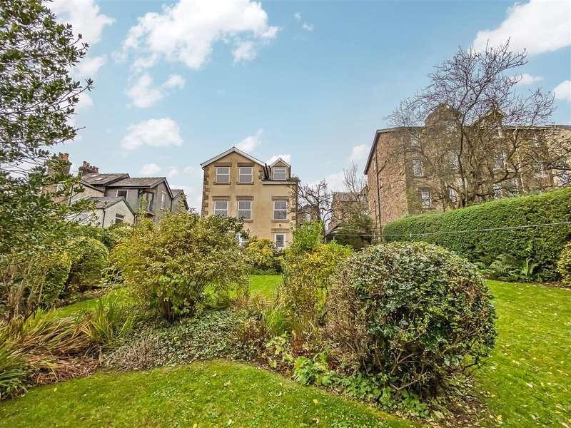 4 Bedrooms Detached House for sale in Derwent Road, Freehold, Lancaster
